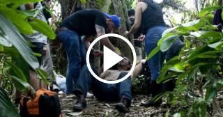 Cubanos cruzando la selva para llegar a Panamá