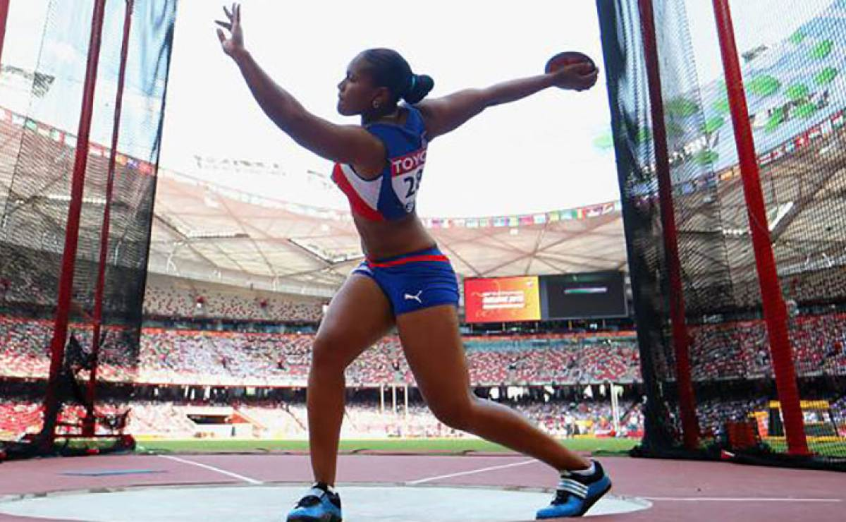 Кубинка Кабаллеро – чемпионка мира в метании диска