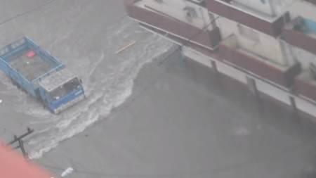 Así fue la tormenta que provocó inundaciones, derrumbes y muertos en La Habana