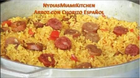 Arroz Amarillo con Chorizo