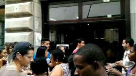 Promoción de ETECSA provoca colas de 3 días en Cuba
