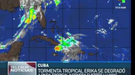Erika se degrada a onda tropical y afecta al este de Cuba con fuertes lluvias