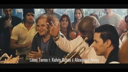 [NUEVO] Leoni Torres ft Kelvis Ochoa & Alexander Abreu - Es Tu Mirada (2015)