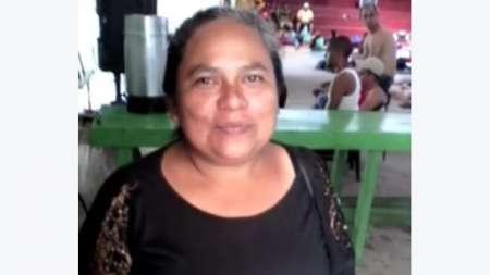 Nicaragüense radicada en Costa Rica ofrece su ayuda a emigrantes cubanos