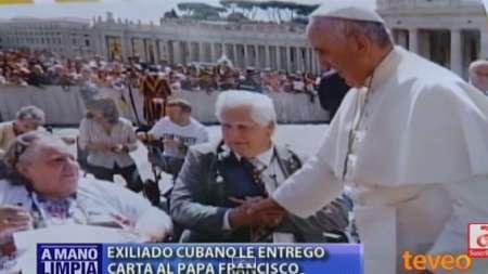 Exiliado cubano le entregó carta al Papa Francisco