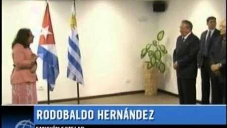 Recibe Raúl Castro la Llave de la Ciudad de Montevideo