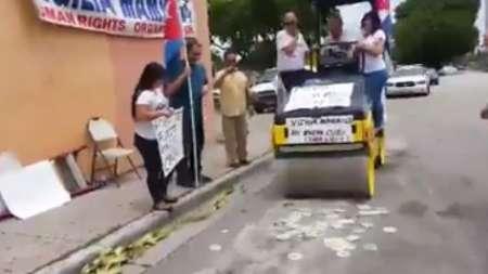 Vigilia Mambisa con la aplanadora rompe discos de Pitbull en Miami
