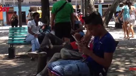Opiniones de jóvenes cubanos sobre nuevo servicio Wifi en Cuba